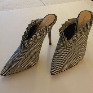 Gianni Bini Houndstooth Heels